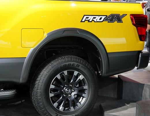 日产titan高性能皮卡车